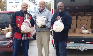 REEC & PAYUSA Deliver Turkeys to