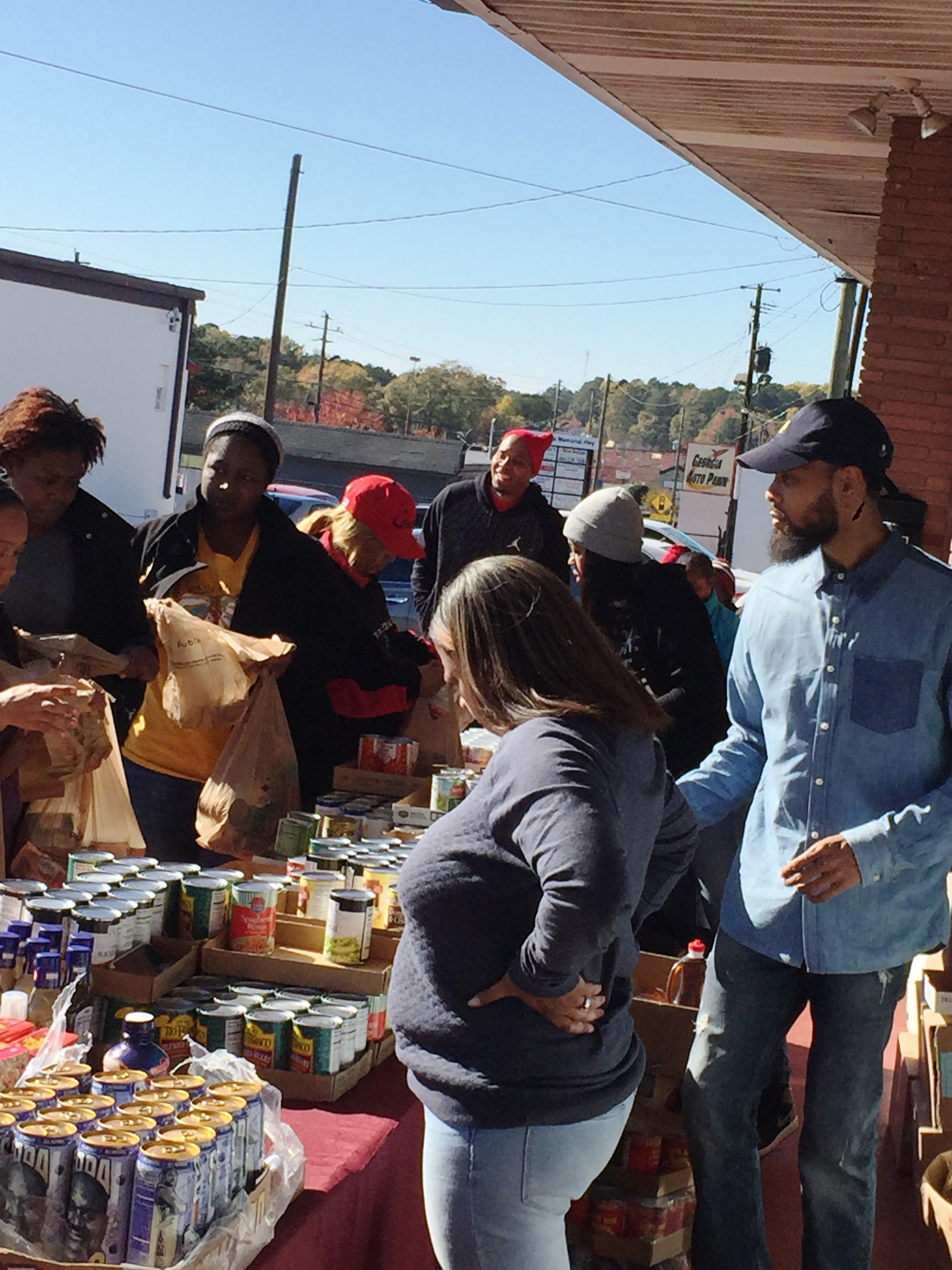 reec-host-grocery-give-away-payusa-11-20-15