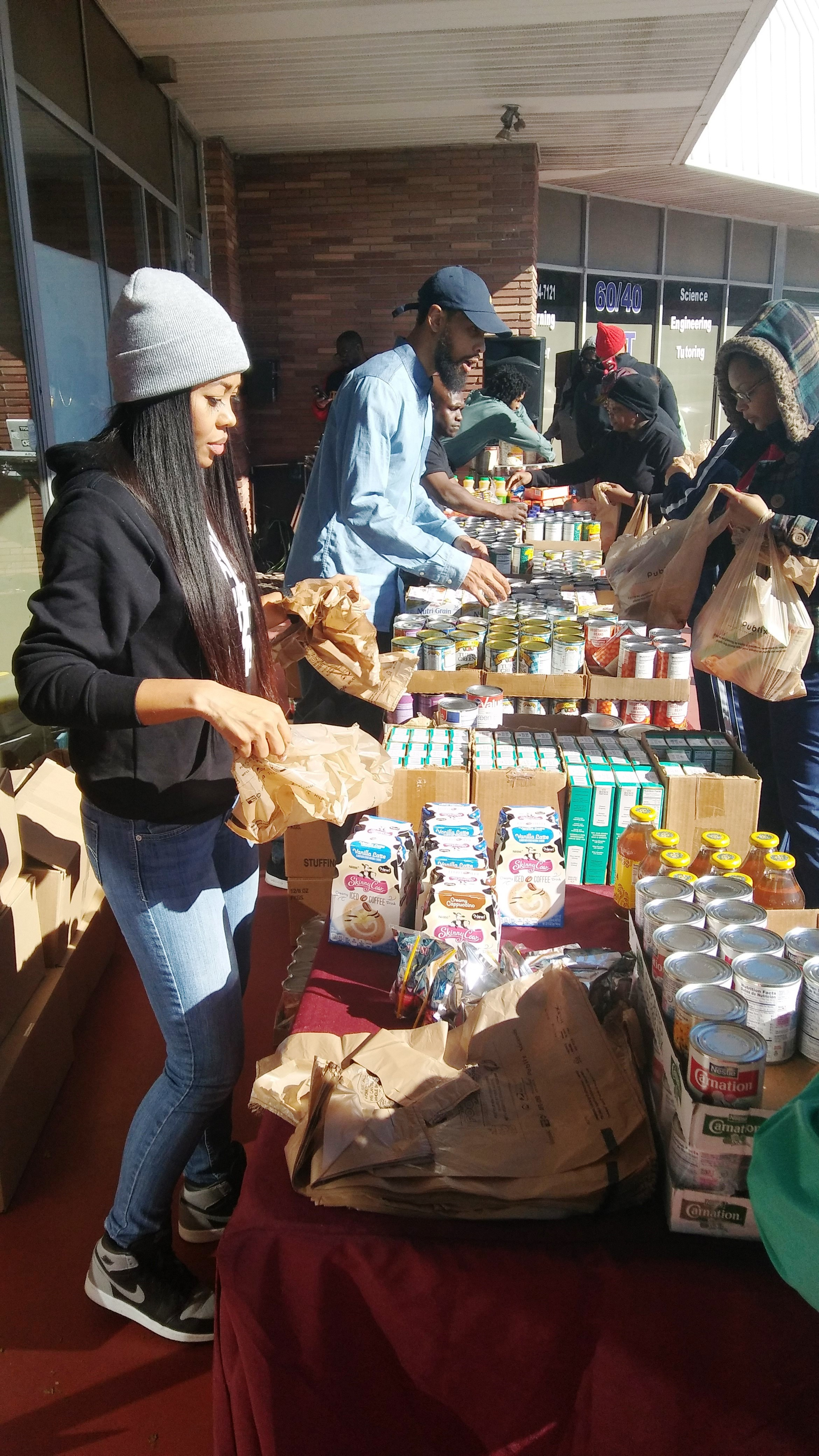 reec-host-grocery-give-away-payusa-11-20-6