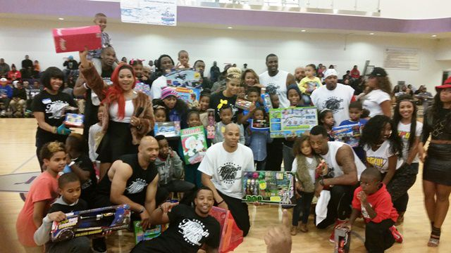 at-hoopin-for-tots41.jpg