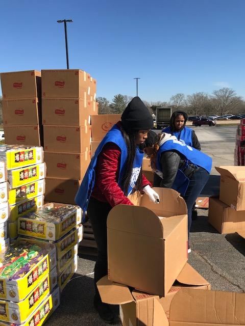 2018 Big Grocery Give Away (5)