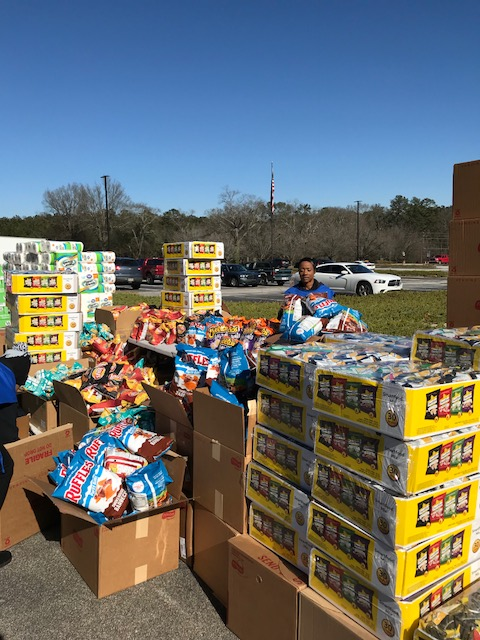 2018 Big Grocery Give Away (6)
