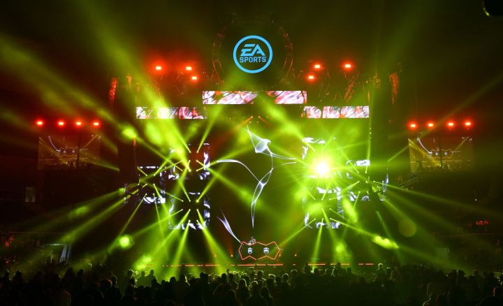 Bud Light Super Bowl Music Fest / EA SPORTS BOWL - Show